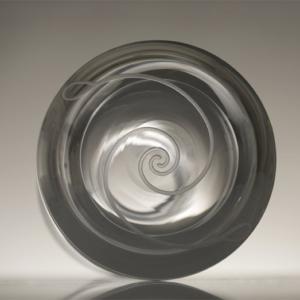 karafa Fibonacciho spirála, ručně foukané křišťálové sklo, obsah 1,5 l, 1 450 Kč (včetně DPH)